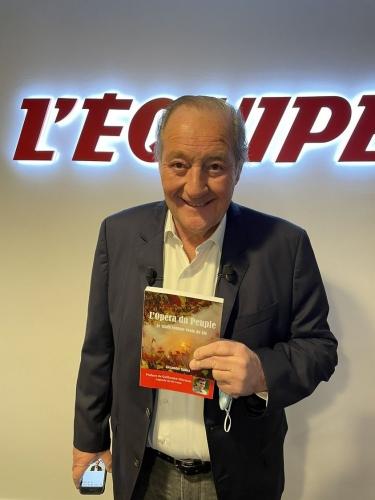 Gervais Martel avec mon livre - 26 avril 2021.jpg